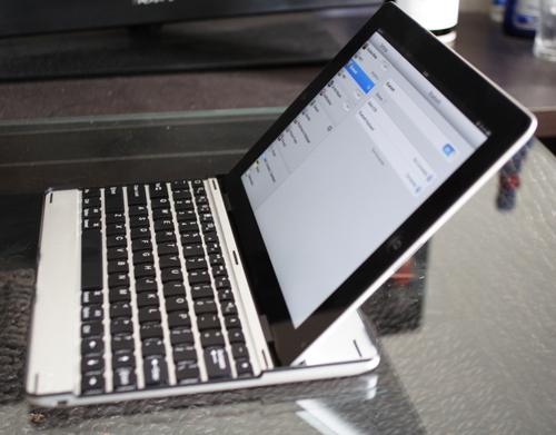 iPad用キーボード 側面写真