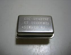 水晶発信器 クリスタルオシレータ 67.10886MHz