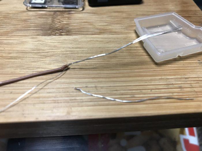 アンテナとなる銅線