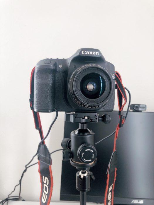 雲台を取り付けたカメラ