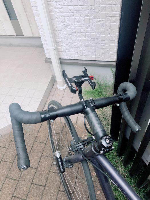 自転車にスマートフォンホルダーを装着