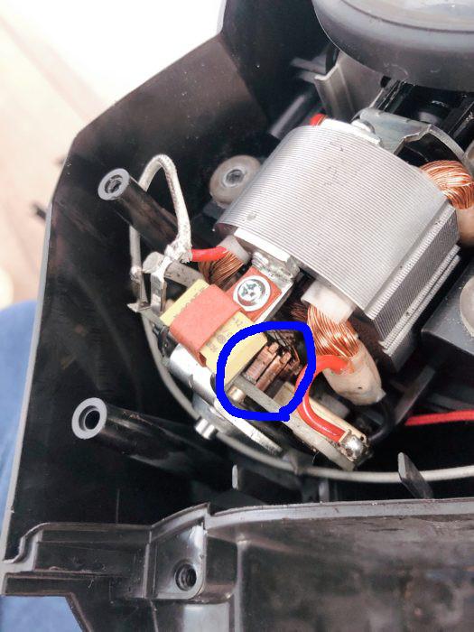 NC-A56のモーターブラシをグリスアップ
